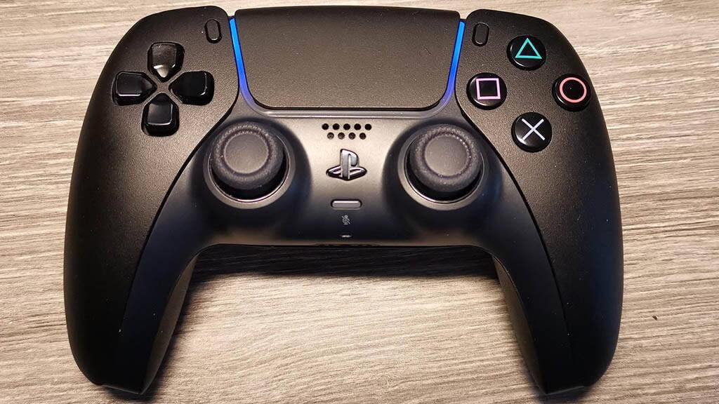 رنگ زیبای دسته مشکی PS5